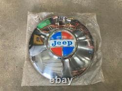NOS Vintage Jeep Wagoneer Hub Cap Part 999871